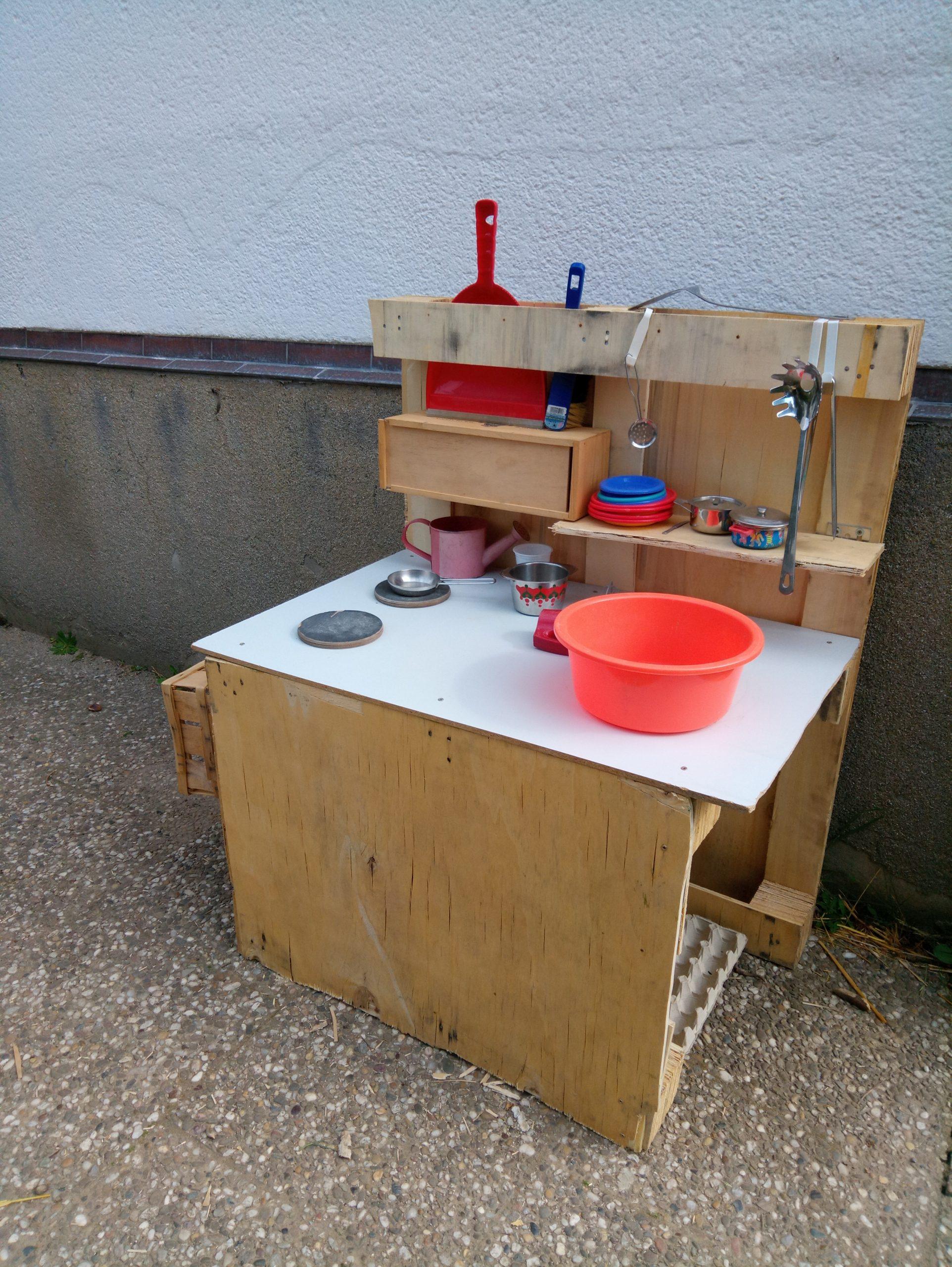 7 Spielideen für draußen – DIY Projekte